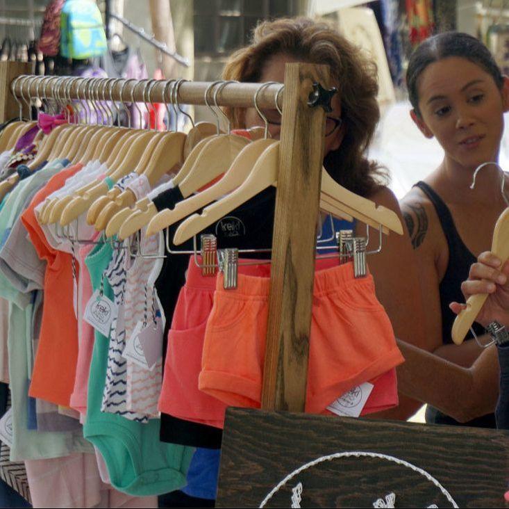 clothes-vendor-2sm.jpeg