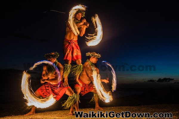 Free Torch Lighting And Hula Show At The Waikiki Kuhio
