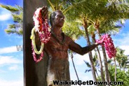 Stop by Kuhio Beach Park near Duke Kahanamoku statue every Tuesdays, Thursdays and Saturdays for a free hula show
